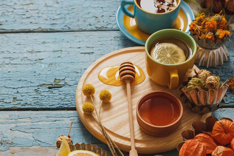 Dekorieren mit Orange, Beere und Türkis